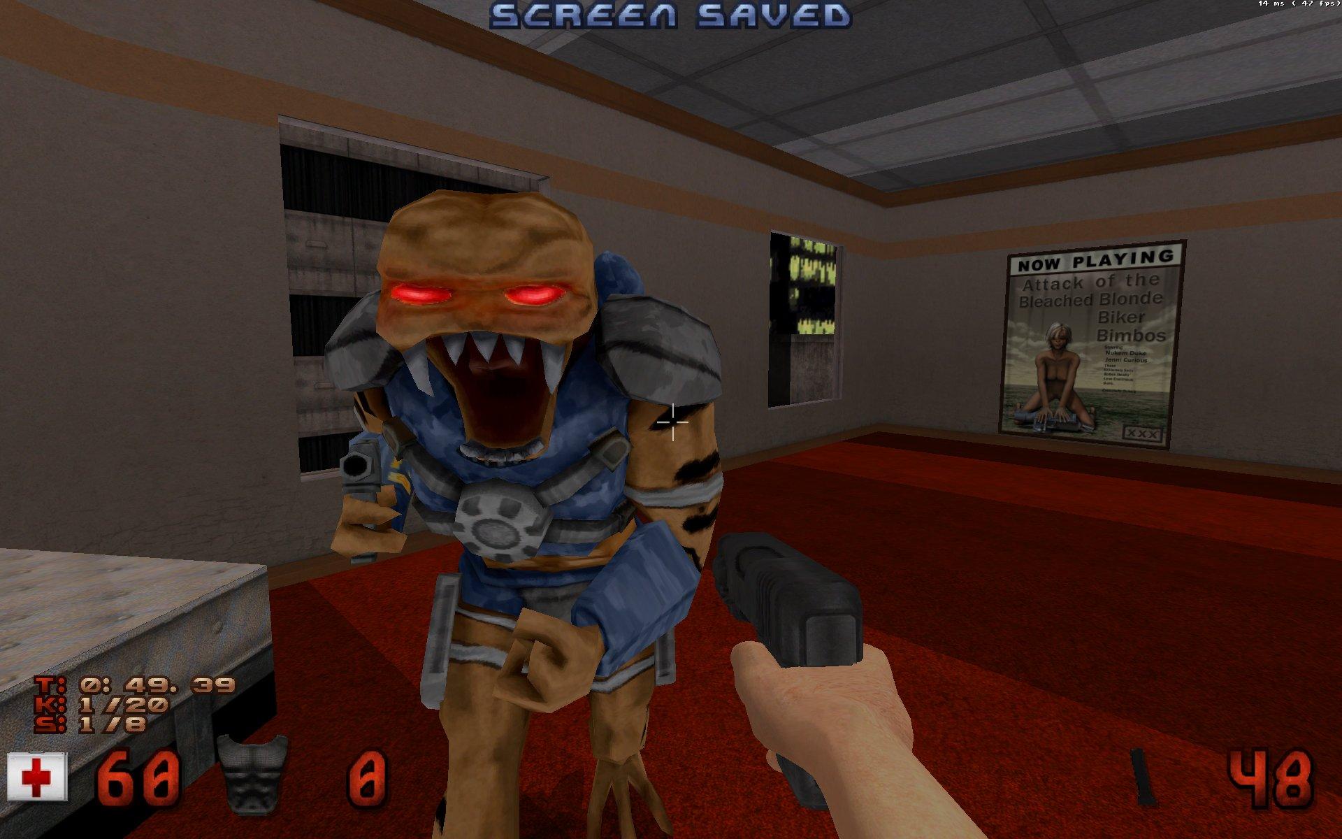 Une capture d'écran du jeu Duke Nukem 3D, montrant un extraterrestre de près.